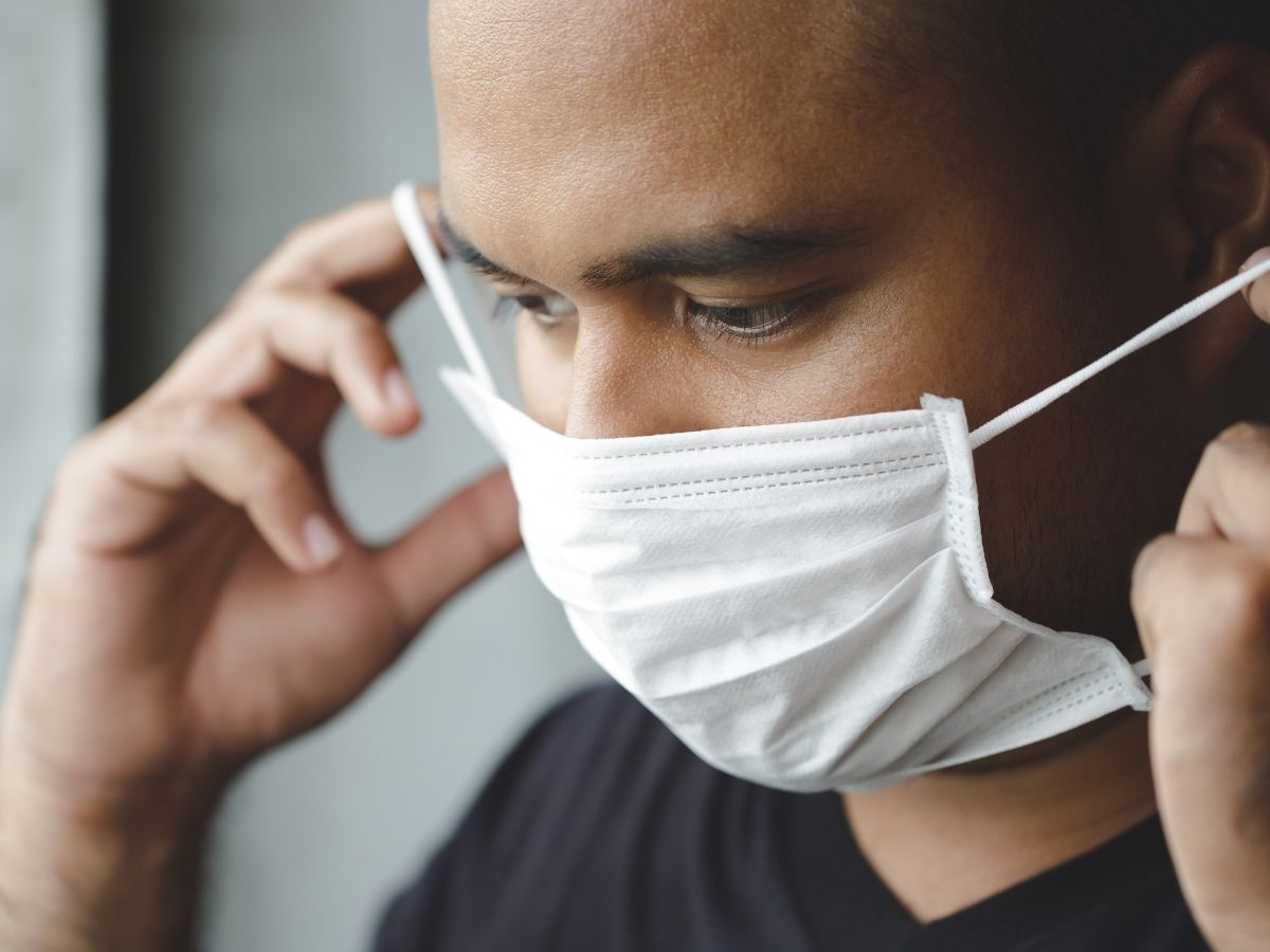 man-wearing-a-mask-to-stay-covid-safe